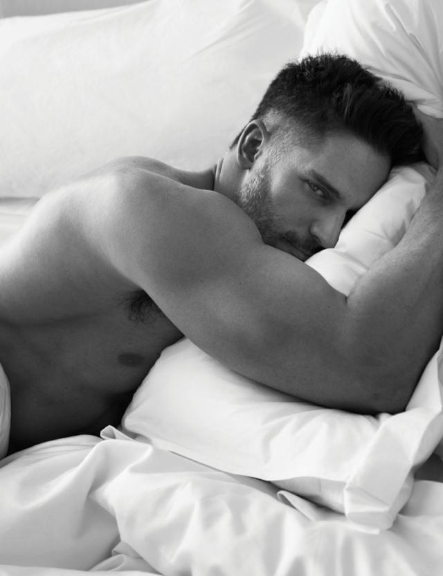 Joe-Manganiello-Shirtless-Bed2
