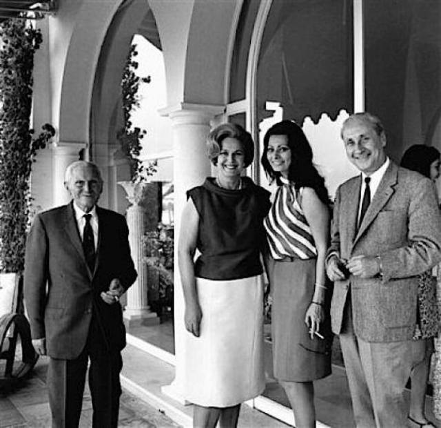 Sophia Loren, President of the Cannes Film Festival Jury, visits Her Highness The Begum Aga Khan III at her villa Yakymour, Le Cannet, on May 18, 1966.