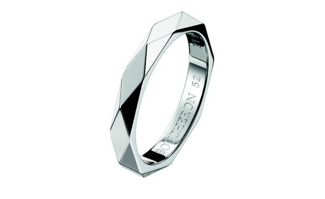 boucheron-facette-wedding-ring-in-platinum