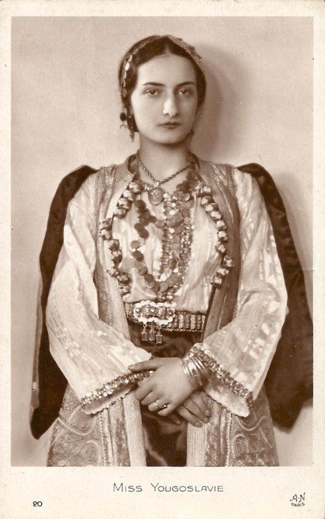 Miss Yougoslavie, Stephanie 'Caca' Drobujak