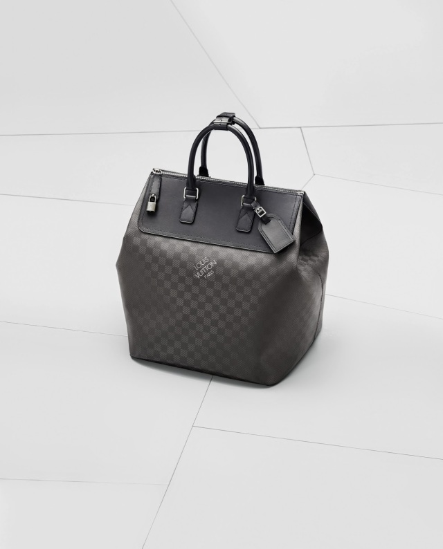 BMW_L_Vuitton_packshot_sacs_008