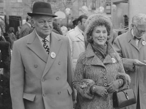 Estée Lauder and her husband Joseph in 1972.