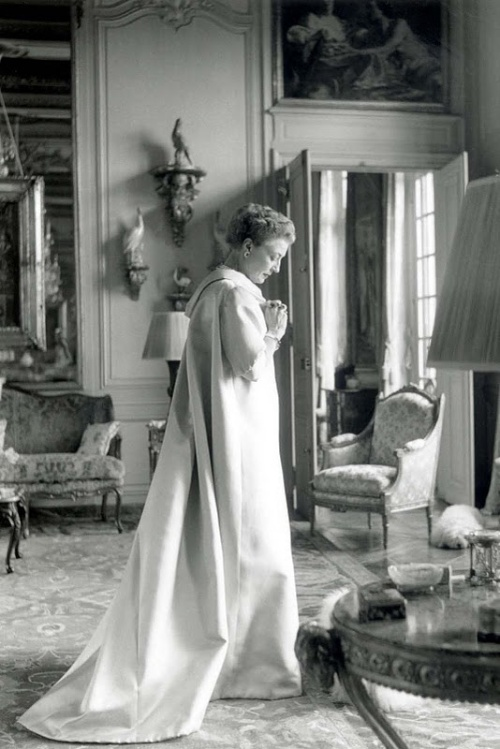 Balenciaga Countess Mona von Bismarck - Cecil Beaton Paris