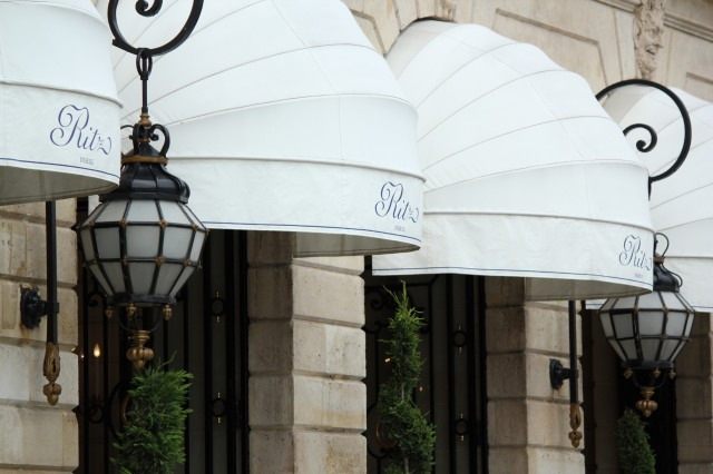 entrance-of-ritz-palace-paris