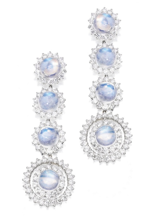 PLATINUM MOONSTONE DIAMOND EARRINGS Mauboussin