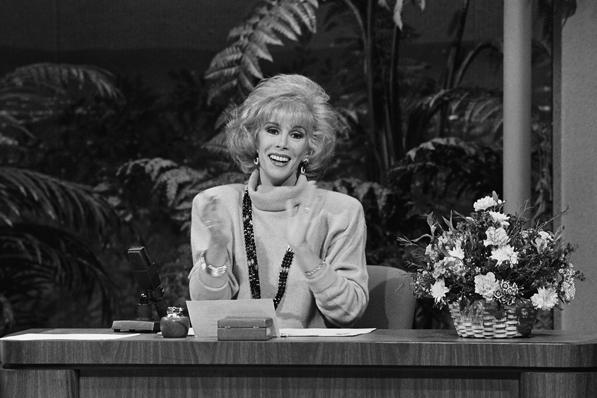 54033bba193f09557a7d0f79_joan-rivers-host-johnny-carson