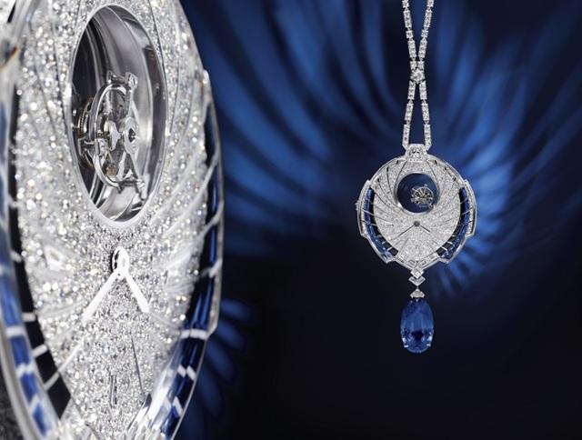 cartier_Tourbillon_Mystérieux_Azuré_pendant_watch_main