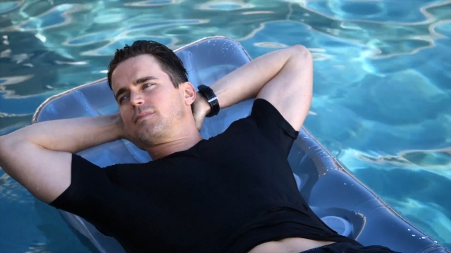 Mens_Fitness-January_February_2016-Matt_Bomer-BTS-17