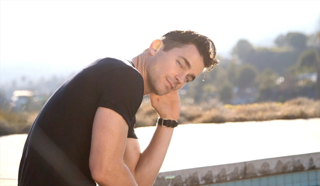 Mens_Fitness-January_February_2016-Matt_Bomer-BTS-27