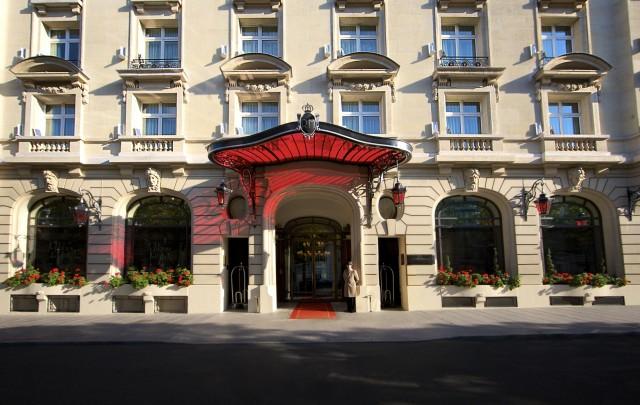 Le-Royal-Monceau-Raffles-Paris-Outside-2