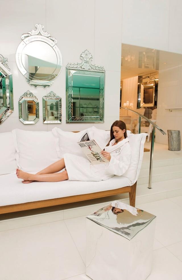wellness yakymour. Black Bedroom Furniture Sets. Home Design Ideas