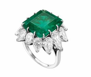 liz-taylor-emerald-engagement-ring-Bulgari