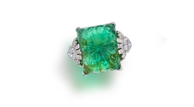 art-deco-emerald-and-diamond-ring-circa-1925.png