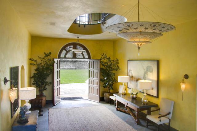 Robin Williams Napa Estate Villa Sorriso hallway 2