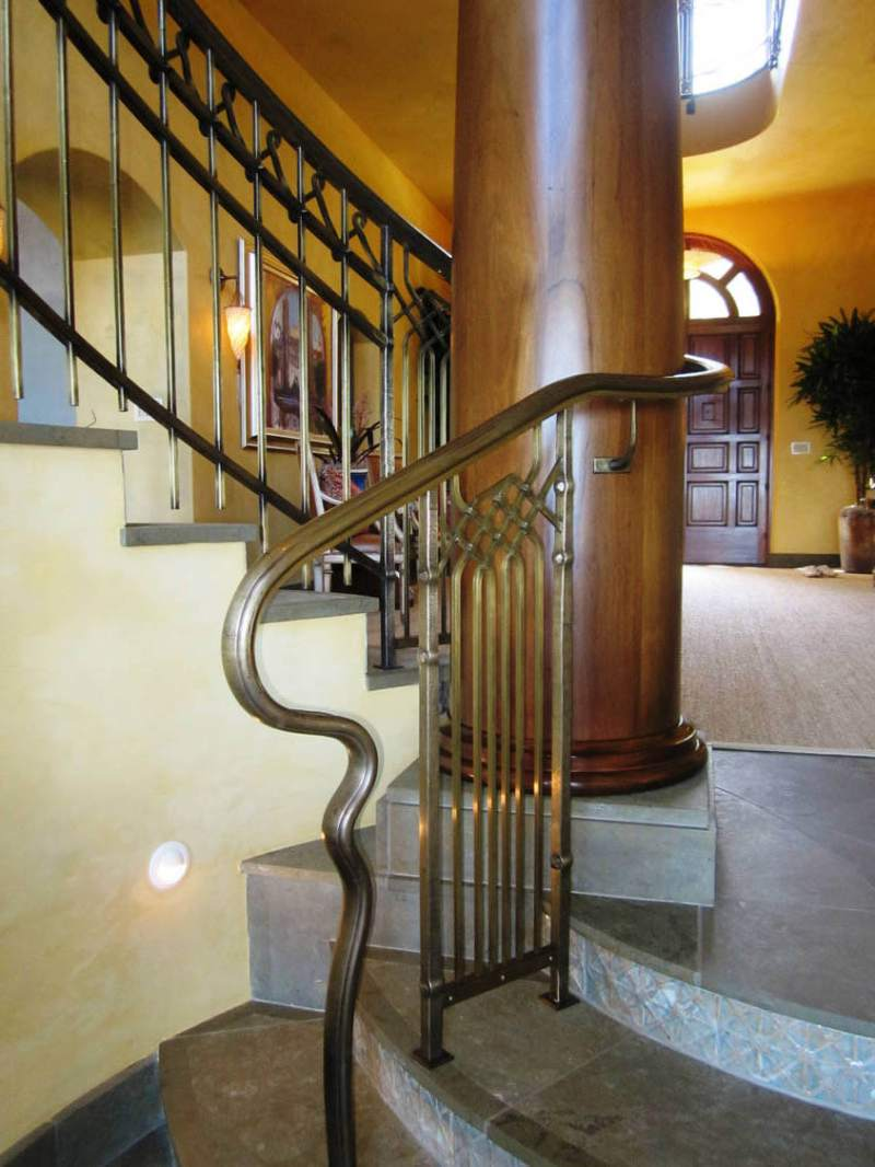 Robin Williams Napa Estate Villa Sorriso hallway 4