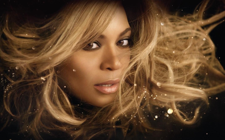 Beyoncé Rise 00