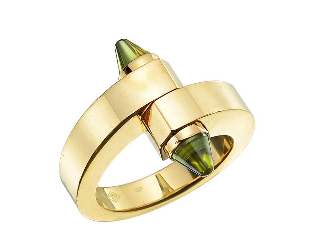 cartier-18k-gold-peridot-menotte-ring