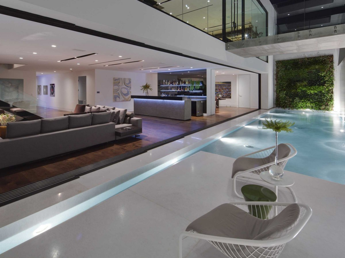 many-of-the-glass-walls-are-fully-retractable