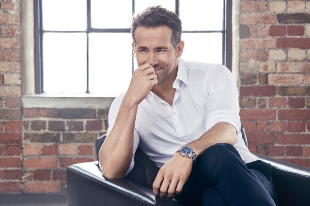 Ryan-Reynolds-Piaget-Polo-S-All-Steel-Watch-Line2.jpg