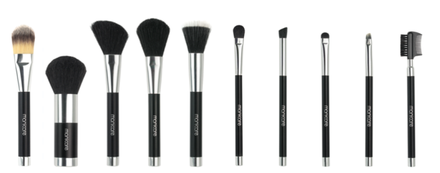 manicare-x-liz-kelsh-makeup-brushes