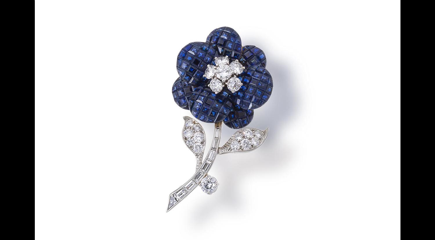 sapphire-and-diamond-brooch-Van-Cleef-Arpels.png