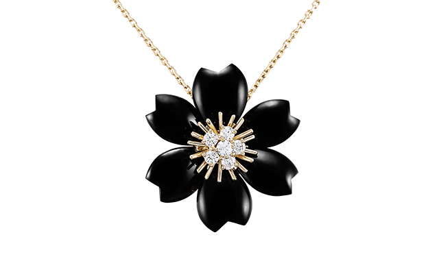 van-cleef-arpels-rose-de-noel-black-clip-pendant