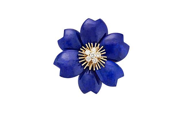 van-cleef-arpels-rose-de-noel-blue-clip