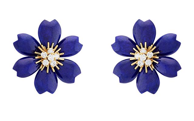 van-cleef-arpels-rose-de-noel-earrings