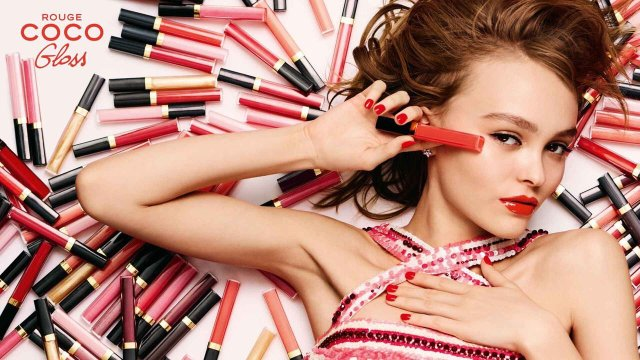 chanels-rouge-coco-gloss-with-lily-rose-depp