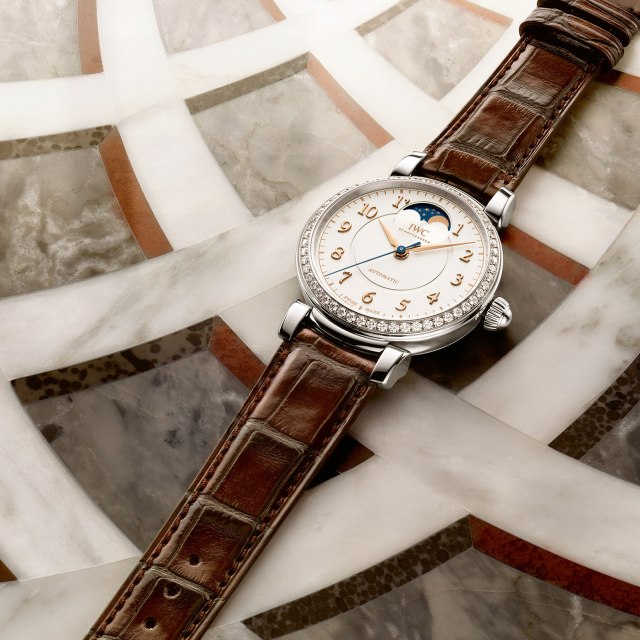 IWC-Da-Vinci-Automatic-Moon-Phase-36-steel-diamonds.jpg