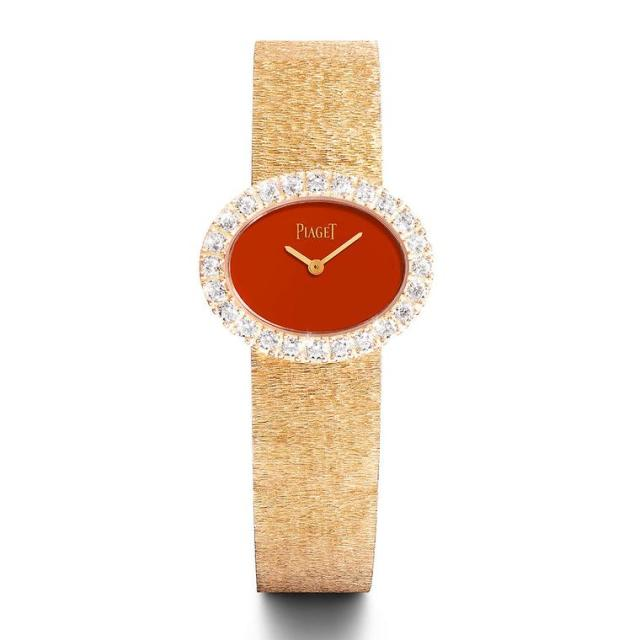 jacky-kennedy-piaget-nathalie-portman-yellow-gold-has-a-red-cornelian-dial-51000