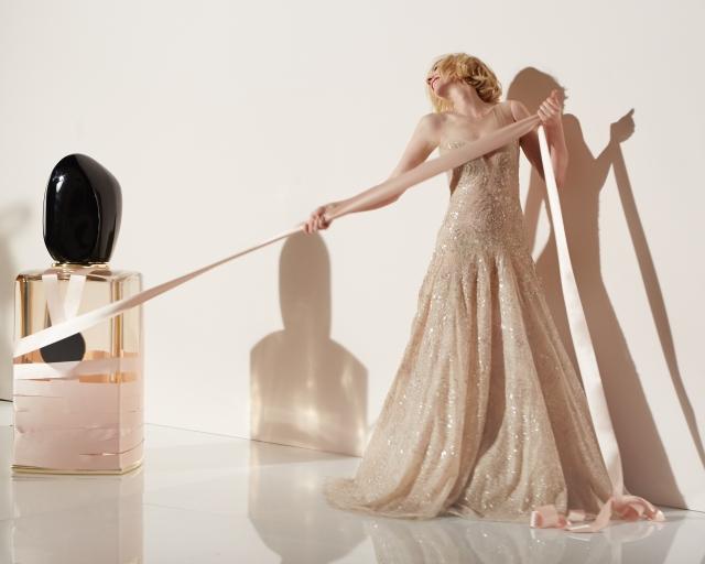Giorgio-Armani-Si-Rose-Signature_Cate-Blanchett-4-s.jpg