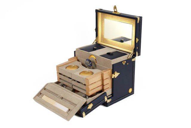 Moynat's beauty case with Guerlain and the Orient Express 2.jpg