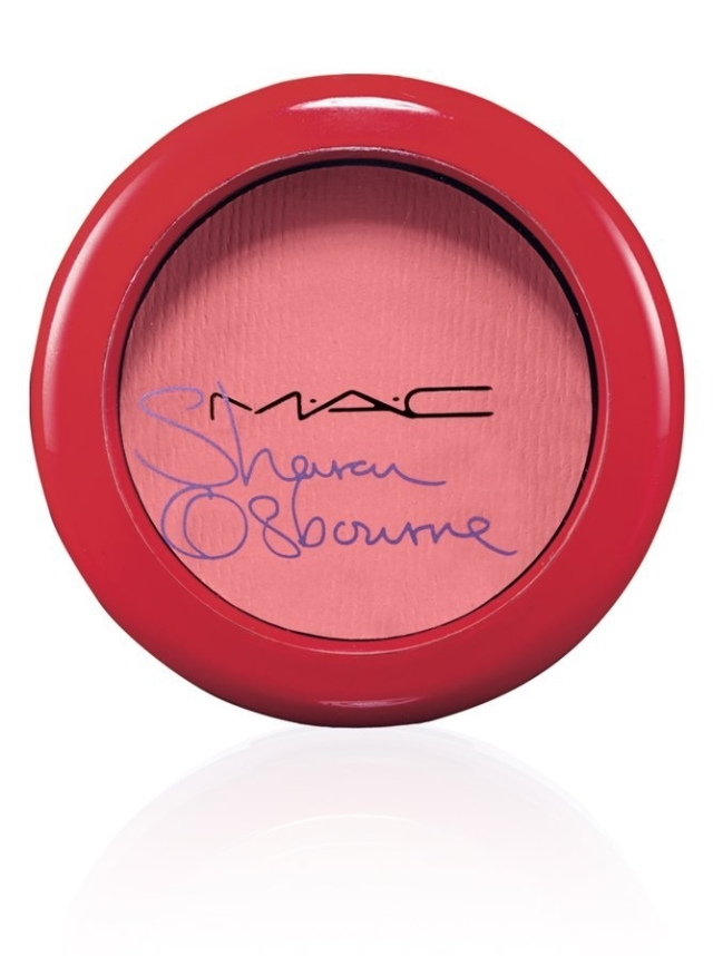 Sharon-Osbourne-Blush-Peaches-Cream-45