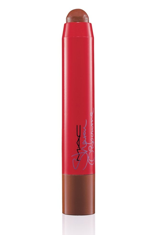 Sharon-Osbourne-Lip-Pencil-French-Kiss-39