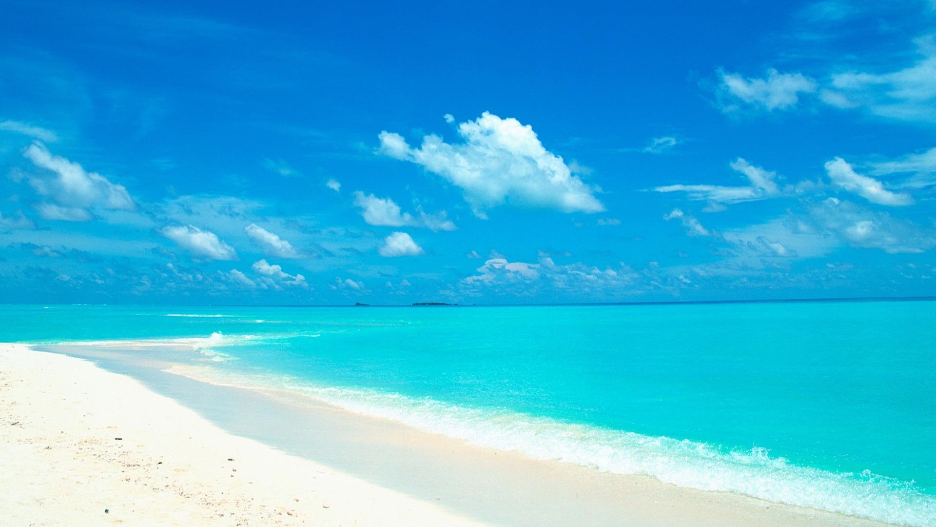 7035619-beautiful-beach-wallpaper-7628