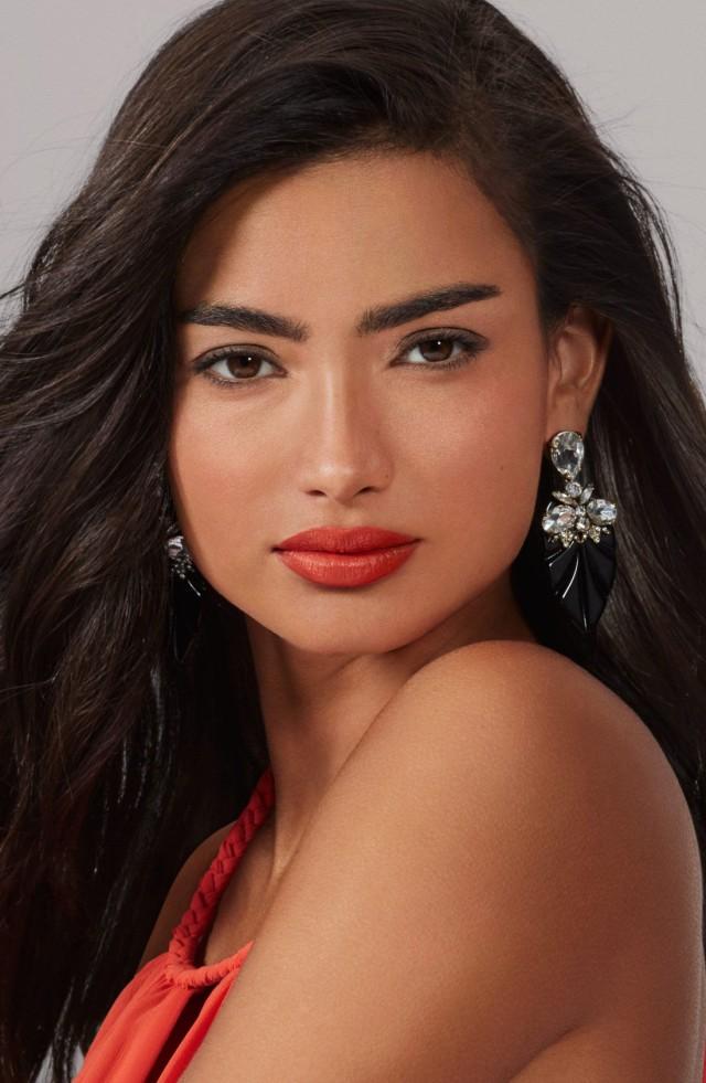 Bobbi Brown Cosmetics launches Havana Brights Collection.jpg