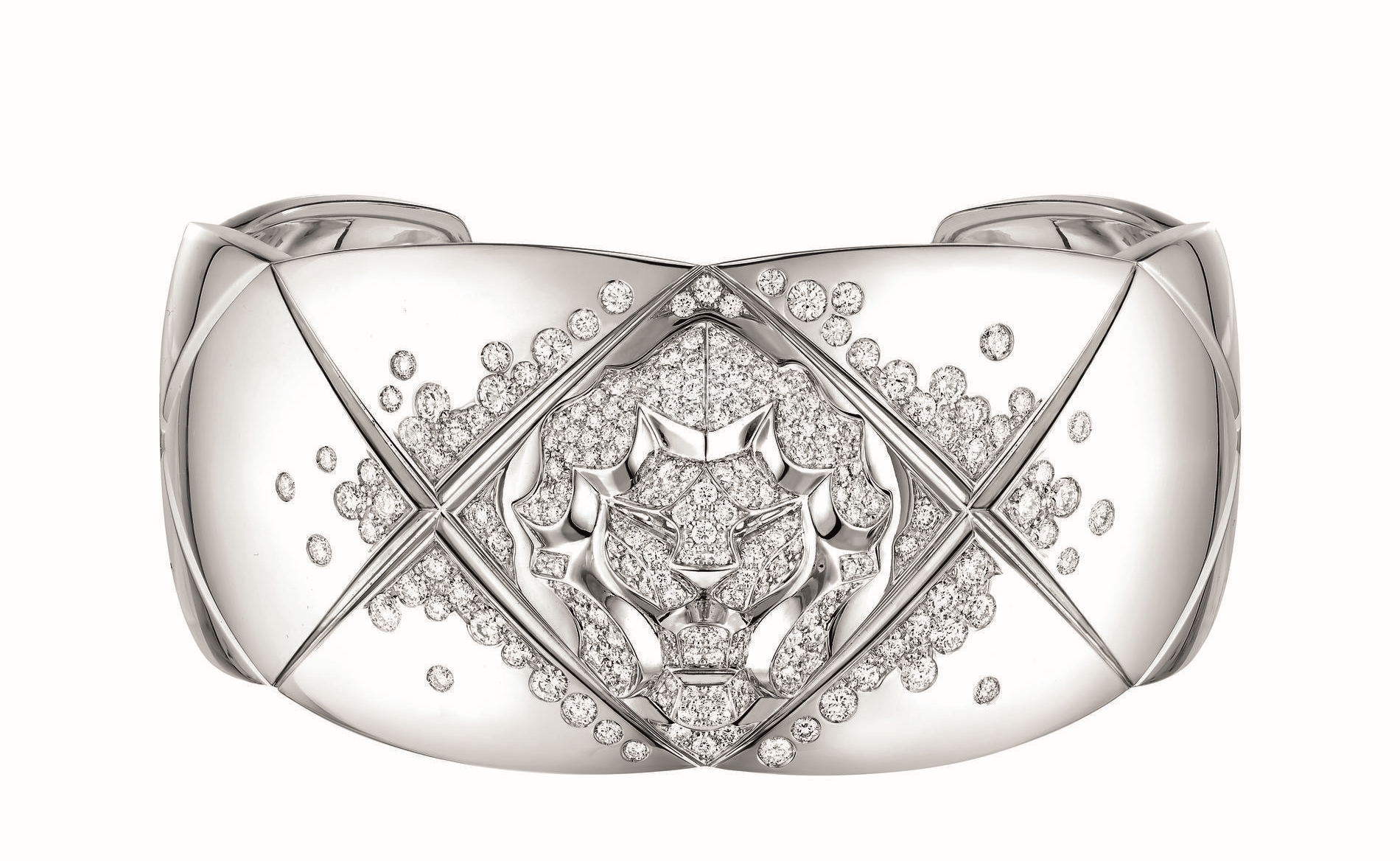Keira Knightley Chanel Coco Crush Bracelet Lion2
