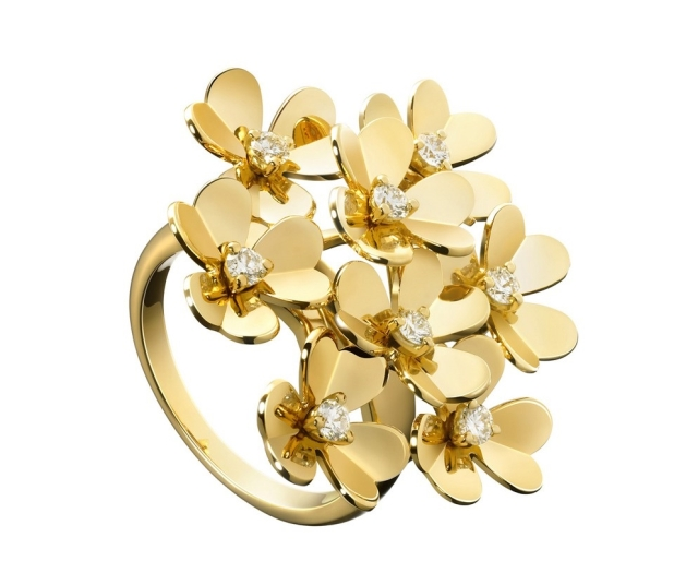 van-cleef-arpels-frivole-yellow-gold-8-flower-ring-diamond-centers