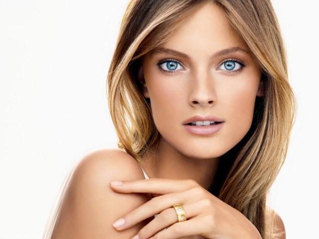 Estée Lauder Idealist Even Skintone Illuminator.ModelShot.CJ.ExpiresJune2011.JPG