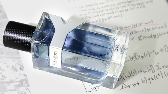 Yves Saint Laurent Y for Men Bottle Visual 2