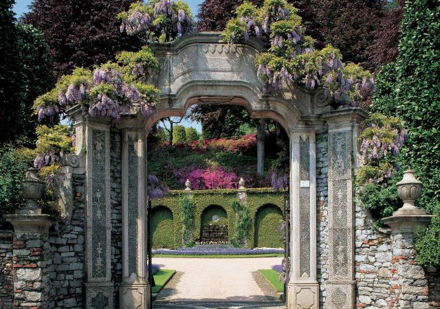 Isola Madre garden that has a great view on the famous Lago Maggiore.jpg