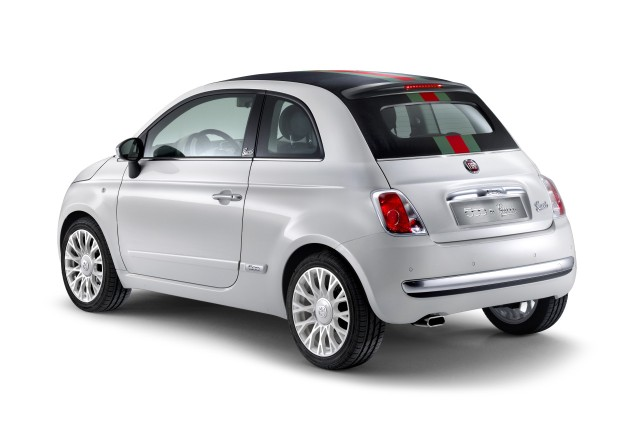 the-convertible-that-matches-your-bag-fiat-launches-500c-by-gucci_2
