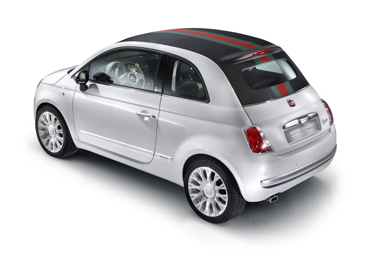 the-convertible-that-matches-your-bag-fiat-launches-500c-by-gucci_3