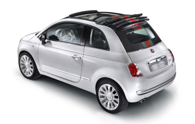 the-convertible-that-matches-your-bag-fiat-launches-500c-by-gucci_4