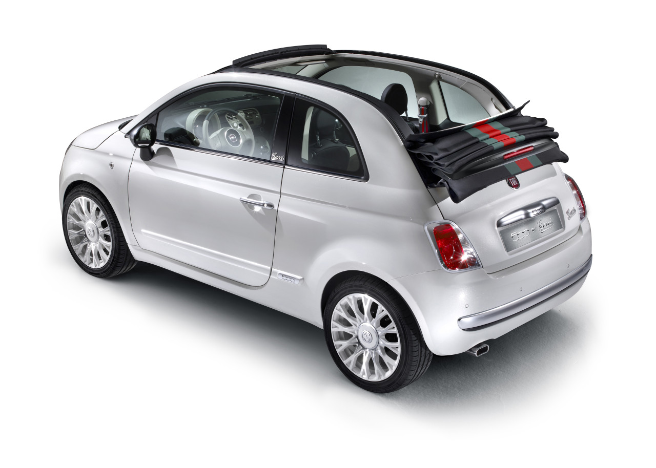 the-convertible-that-matches-your-bag-fiat-launches-500c-by-gucci_5