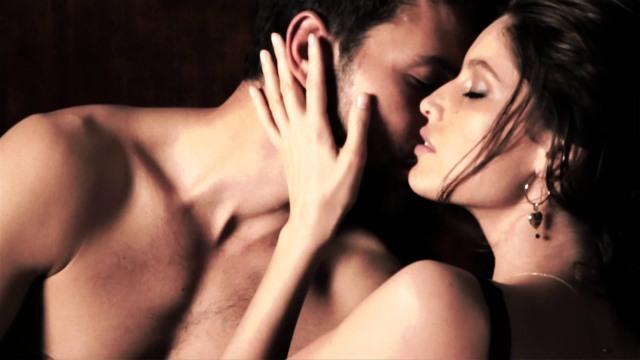 Dolce & Gabbana Pour Femme Intense Video.jpg