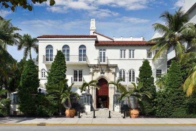 Gianni-Versace-Casa-Casuarina-Daytime-Mansion-Exterior