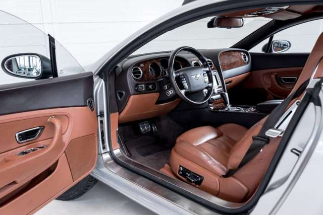 Bentley Continental GT 'Off Road' Inside 01
