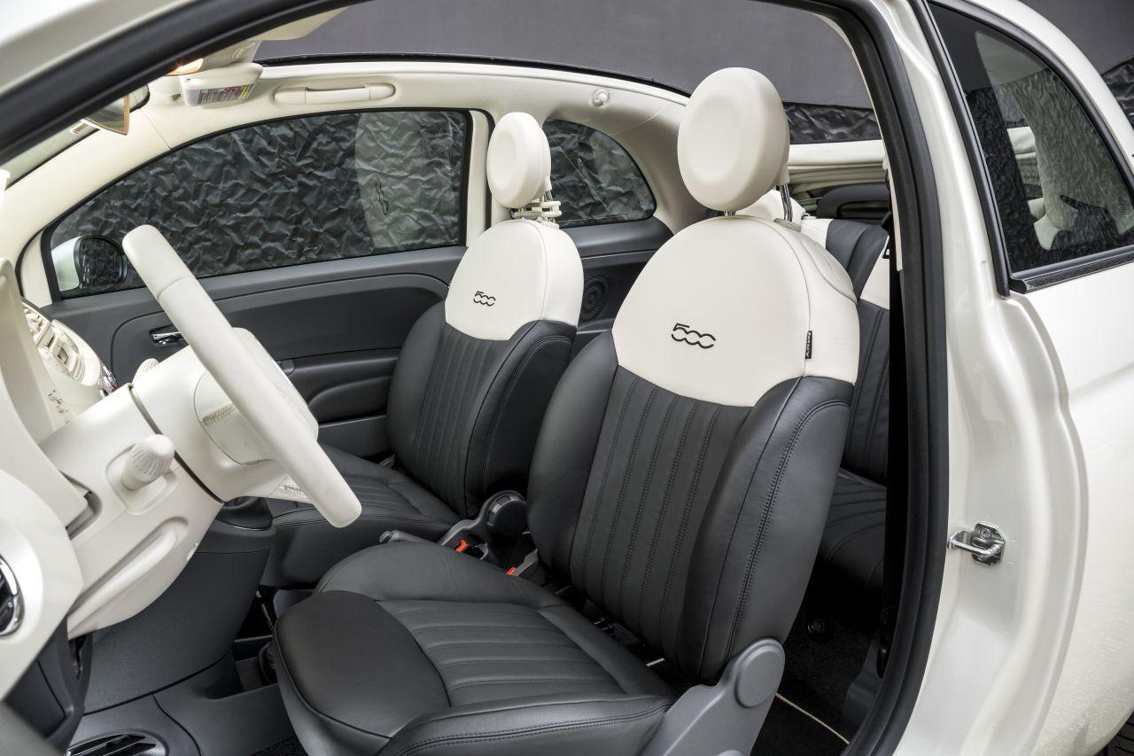 La Petite Robe Noire drives a Fiat 500 DETAIL-INTERIOR-2